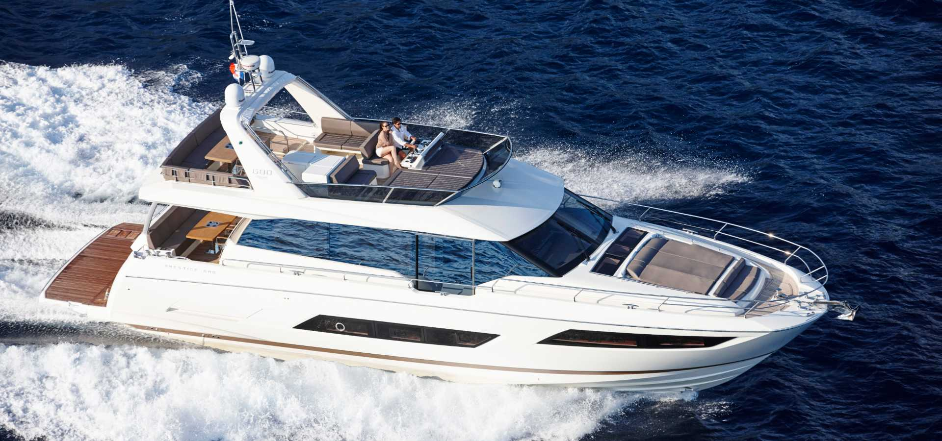 Prestige Yacht 680