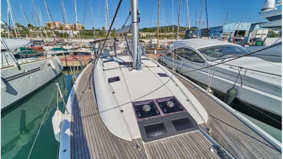 jeanneau-yacht-54-exterior-(8)-boat-barco