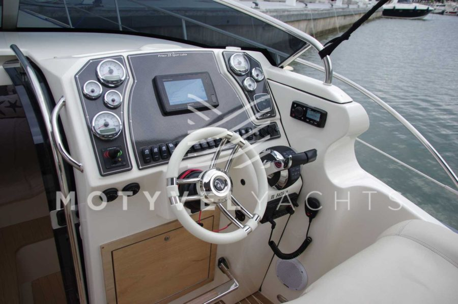 NUOVA JOLLY PRINCE 35 SPORT CABIN EXTERIOR WEB (5)