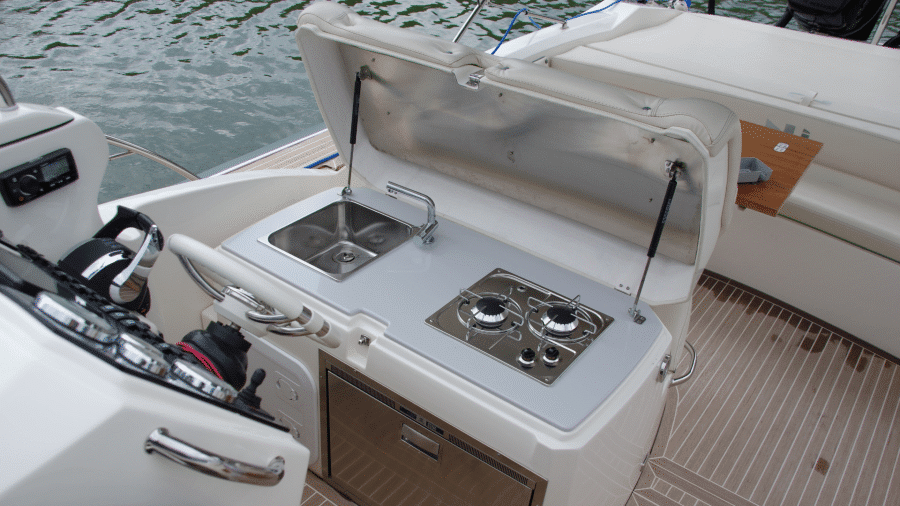 NUOVA JOLLY PRINCE 35 SPORT CABIN EXTERIOR WEB (6)