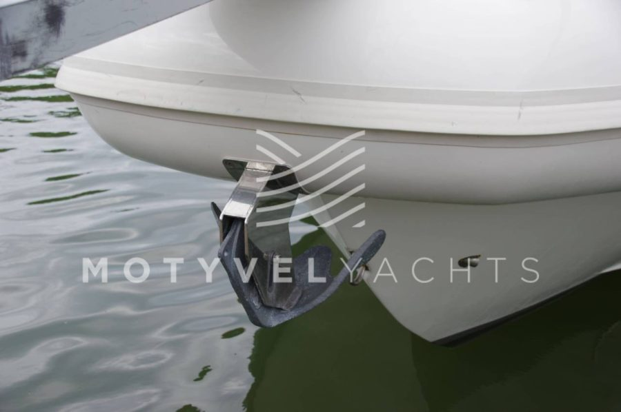 NUOVA JOLLY PRINCE 35 SPORT CABIN EXTERIOR WEB (8)